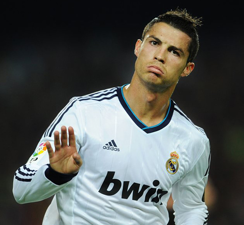cristiano-ronaldo-567-goal-celebration-in-barcelona-vs-real-madrid-2012-2013-asking-for-fans-to-be-calm